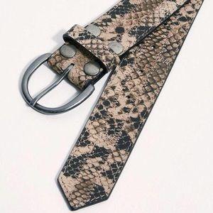 Free People NWOT Snake Bite Leather Belt